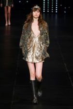 hbz-ss2016-trends-sequins-05-saint-laurent-rs16-7673