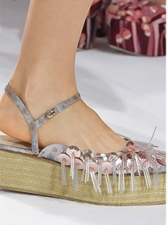spring_summer_2016_shoe_trends_shoes_with_glittery_embellishments1 (2)